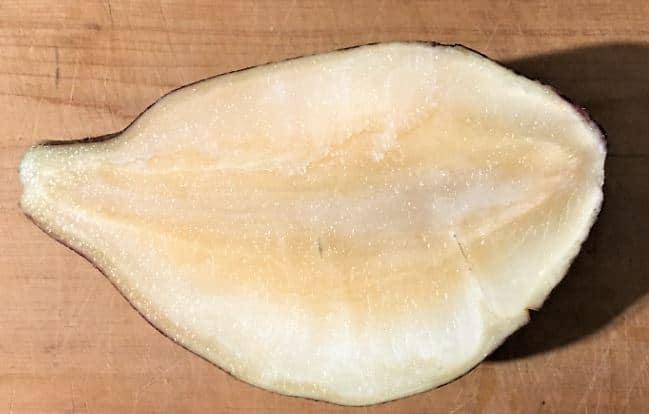 ヤーコンの塊根の断面